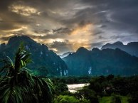 Phare solaire, Vang VIeng