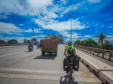 Sur la route de Bagan